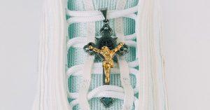 Le sneakers personalizzate più trash di Instagram: Quando il custom è troppo