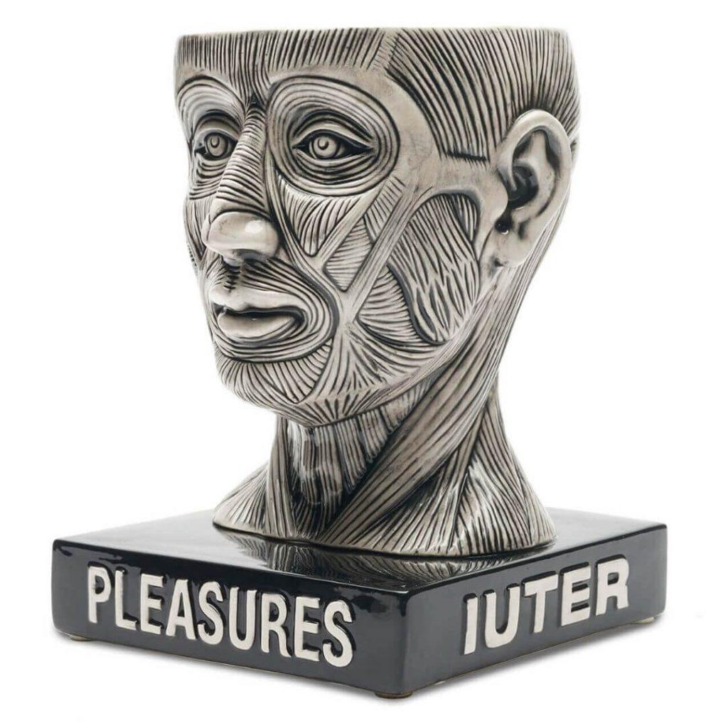 """Iuter x Pleasures:  La """"Bowl Head"""" è la ceramica che dovete avere"""