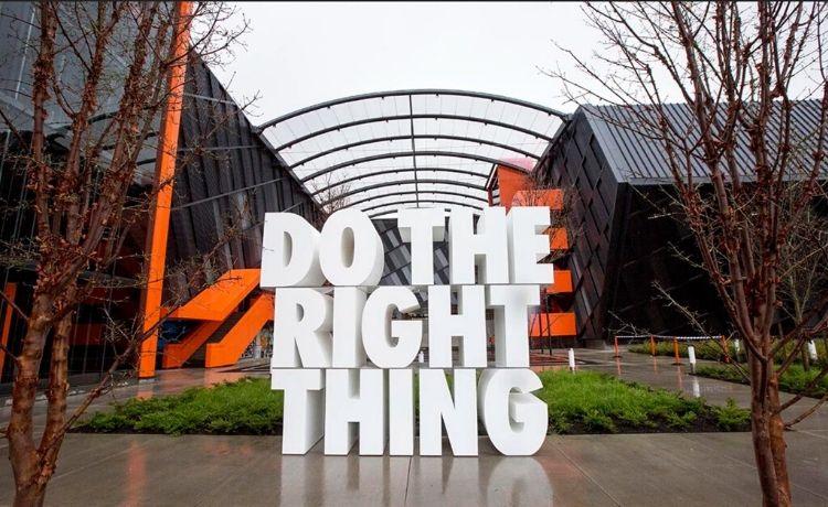 Nike: Play inside, play for the world invita i creativi a non fermarsi