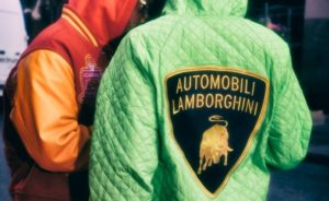 Supreme x Lamborghini Automobili: lo streetwear accende i motori per questa collab