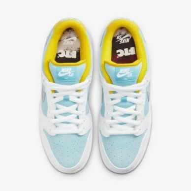 FTC x Nike SB Dunk Low dettaglio monte Fuji
